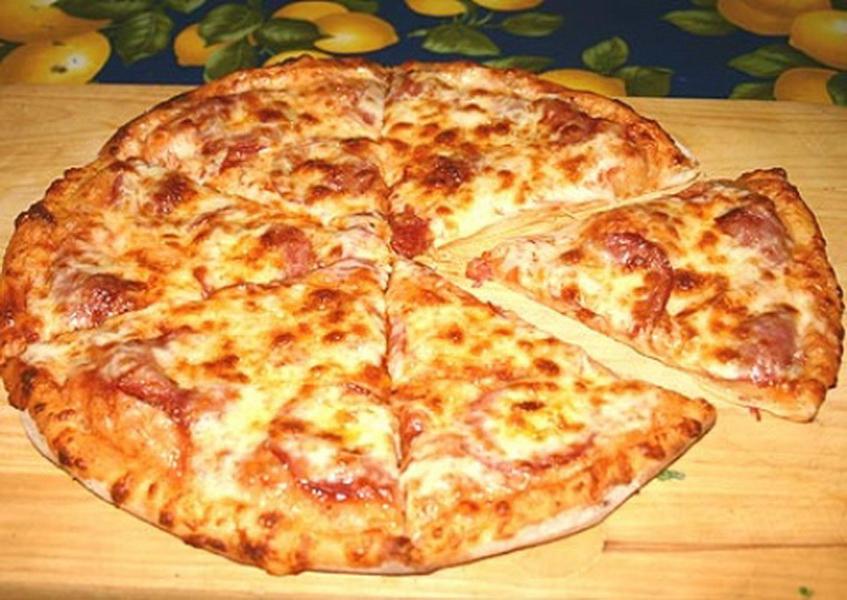 Какие ингредиенты нужны для пиццы в домашних условиях с колбасой